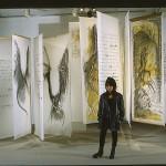 Vue d'ensemble de l'installation Dieux sont ici nulle part, 1996, médiums mixtes